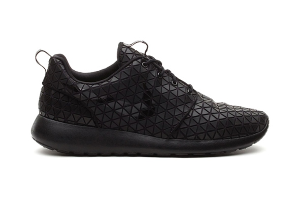 nike-roshe-run-metric-1